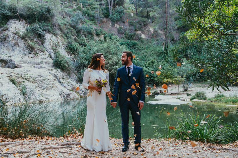 ¿Enamorados del otoño  Celebrar la boda en esta fantástica época del año es  la excusa perfecta para decorar vuestro escenario con unas ideas originales  para ... e0ab37802dc2