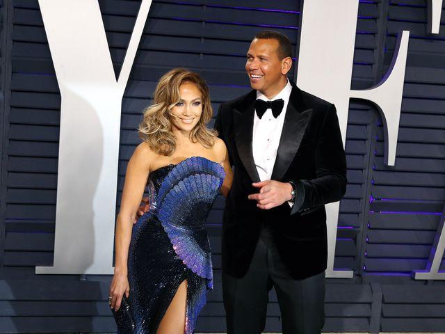 Jennifer Lopez anuncia su compromiso con Alex Rodríguez