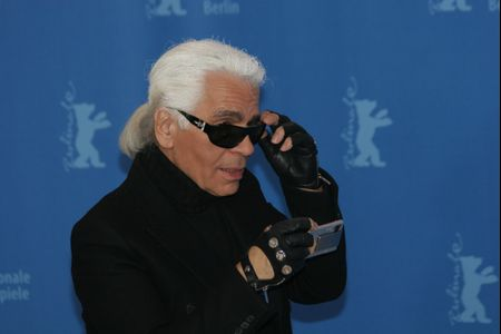 Muere Karl Lagerfeld, el célebre modisto internacional