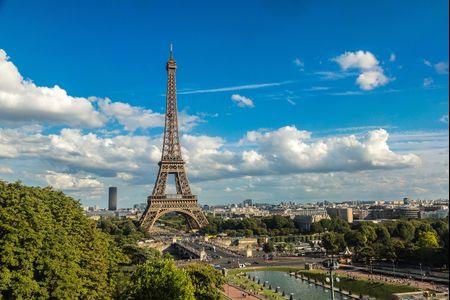¡Nos vamos de luna de miel a París!