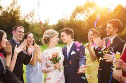 Cómo sobrevivir a una boda en la que solo conoces a uno de los novios
