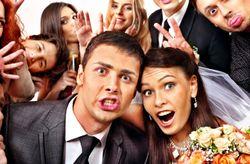 Gente que no quieres invitar a tu boda... �pero tendr�s que hacerlo!