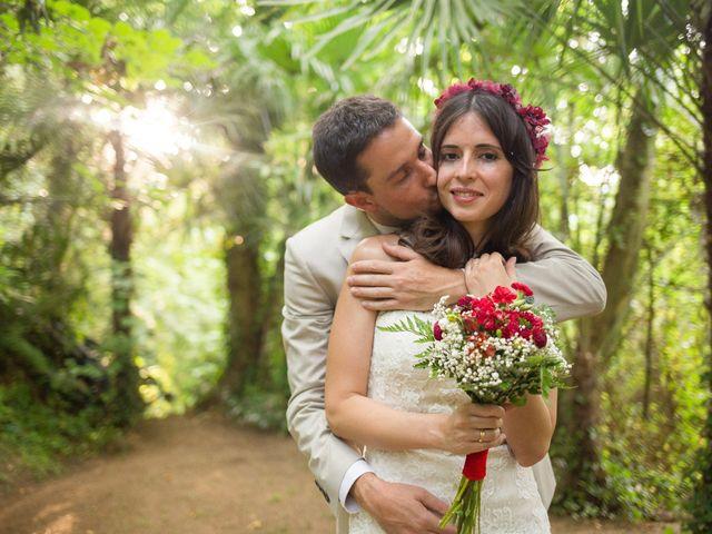 Paula y Carlos, una boda en tonos marsala en pleno Montseny