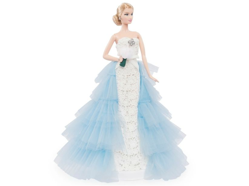 Barbie Gets An Oscar De La Renta Wedding Dress