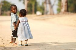 Regala solidaridad en tu boda de la mano de UNICEF