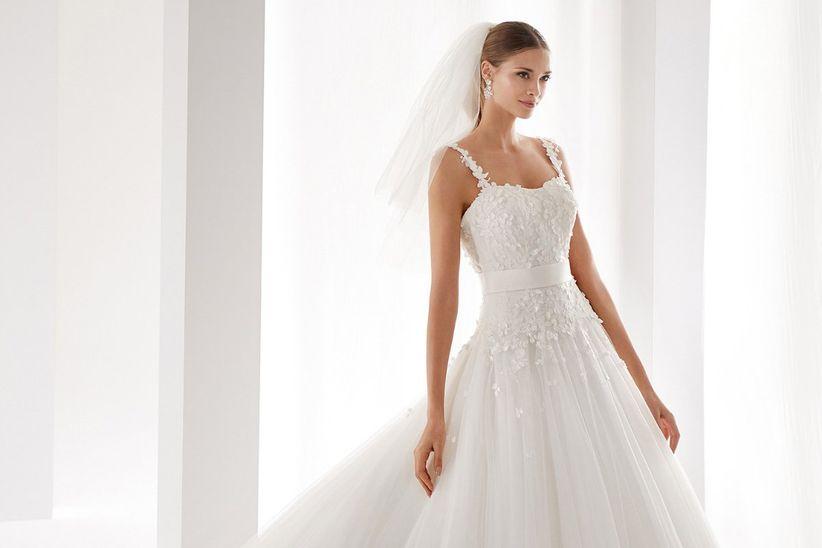 fe85583c2 Qué vestidos son los que mejor sientan a las novias muy delgadas