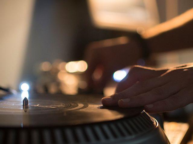 10 preguntas que debéis hacer al DJ de vuestra boda antes de contratarlo
