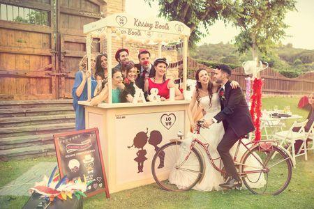 Ideas originales para bodas: ¡poned un kissing booth en vuestro enlace!