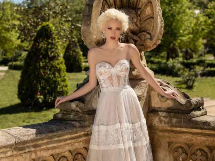 Vestidos de novia Daria Karlozi 2019
