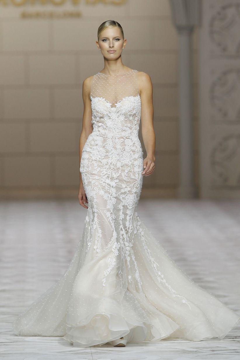 4a495468f Se trata de vestidos con faldas armadas o grandes volúmenes que aportan un  plus de elegancia a las novias más exigentes.