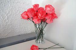 Flores de papel con filtros de caf�