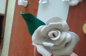 Flores de goma eva para regalar en tu boda