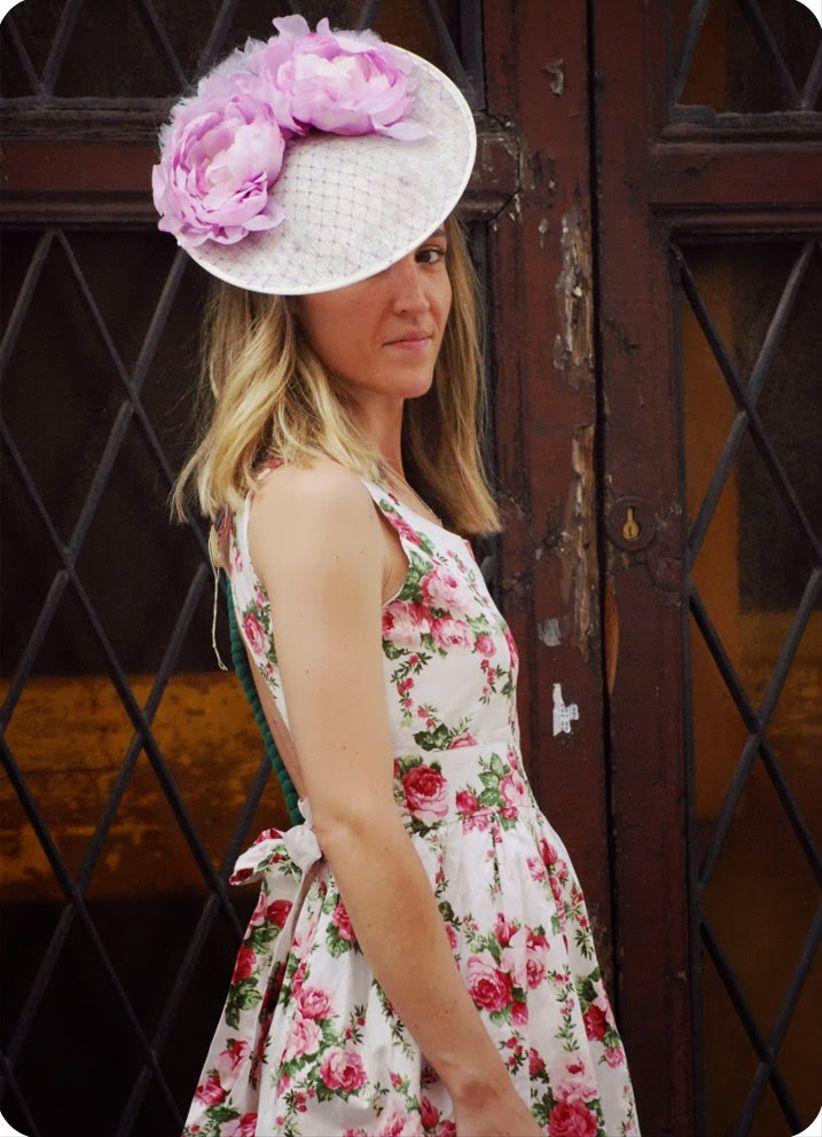 10 tocados de fiesta para invitadas for Tocados elegantes para bodas