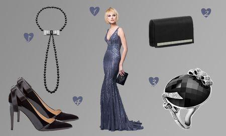 Look de invitada en negro y azul noche