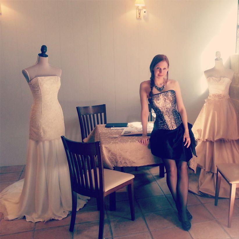 9ff5a5d1cc No hay dos novias iguales y por eso Martha Peters defiende que no deberían  haber dos vestidos de novia completamente iguales. Conseguir que cada novia  pueda ...