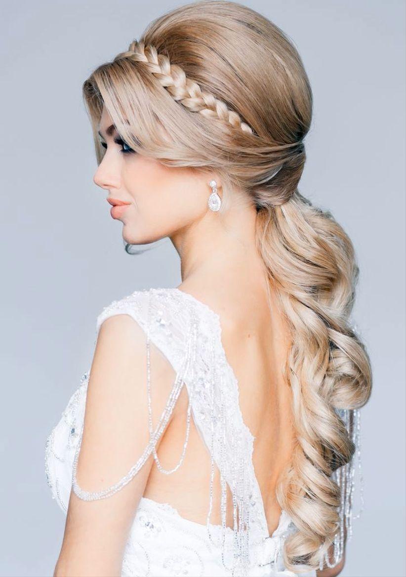 este recogido es perfecto para las novias informales que buscan un look ms relajado y romntico sin duda es un peinado perfecto para una boda en la playa