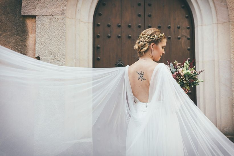 Peinados de novia al costado