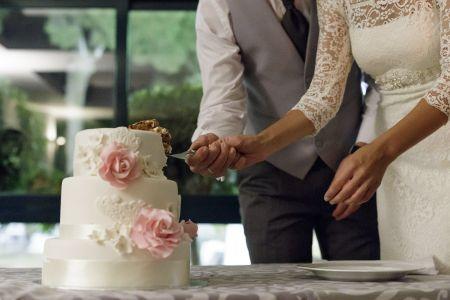 �Por qu� servimos tarta en las bodas?
