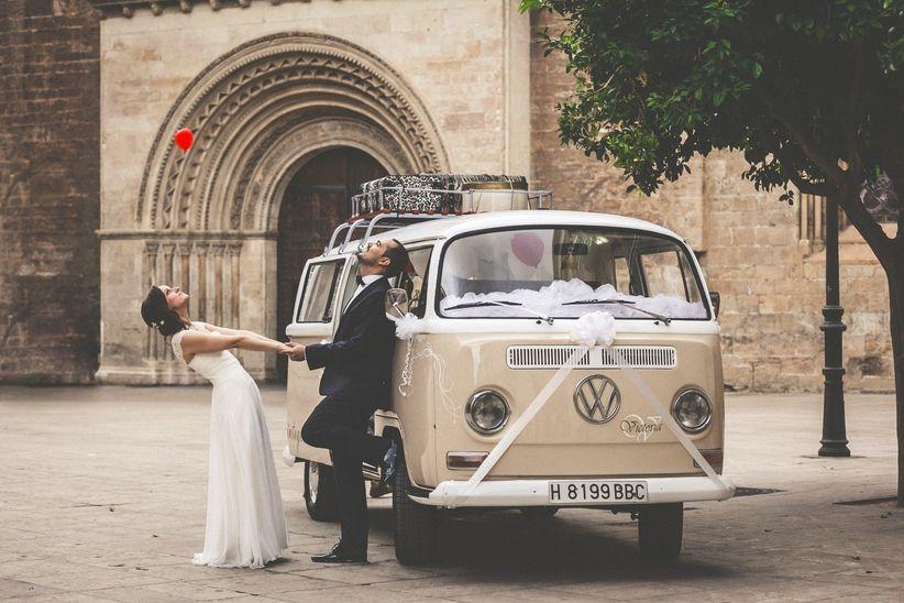 15 ideas originales para decorar el coche de bodas - Decoracion interior coche ...