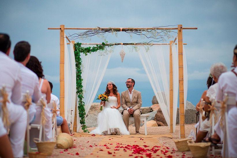 Matrimonio Simbolico En La Playa : Bodas en la playa ¡descubre estos mágicos enlaces
