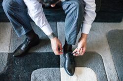 Elegir los zapatos del novio