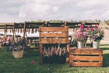 Decora tu boda con macetas: una apuesta sencilla y muy natural