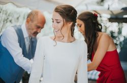 5 personas que debes tener en cuenta al organizar tu boda