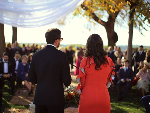 Look de invitada perfecta para bodas de invierno