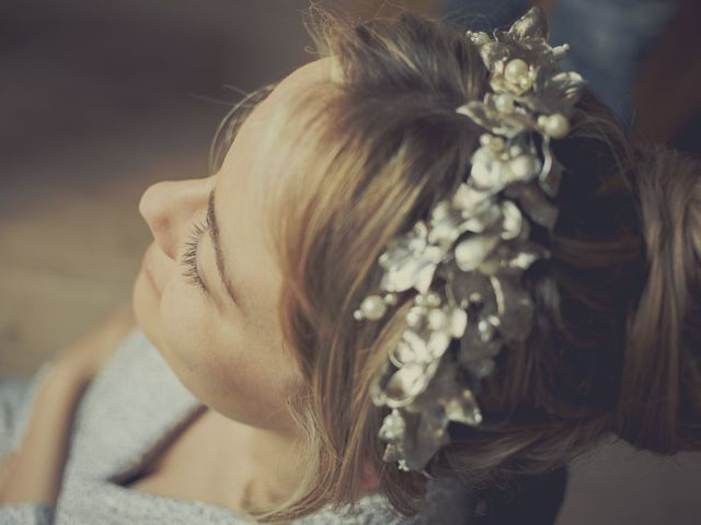 Moños altos para novias: elige tu recogido ideal