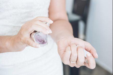 Cómo hacer que el perfume te dure toda la boda