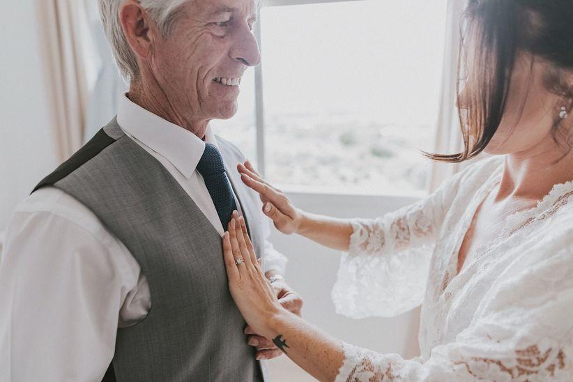 cómo debe vestir el padrino de boda?