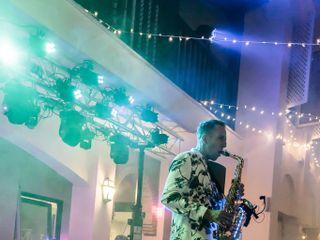 Anthony Jimenez - Saxofonista y dj 3