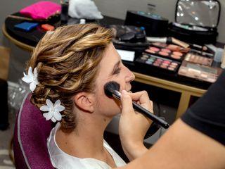 Eleca Makeup 3