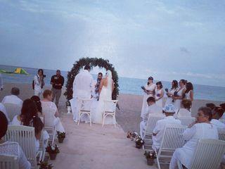 Grupo Casablanca, Ceremonias en la Playa 1