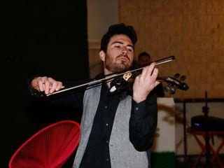 Adrian String - Violinista eléctrico 3