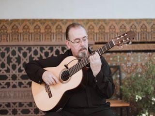 Armando J. López 2