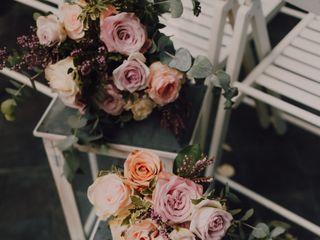Un Patio con flores 1