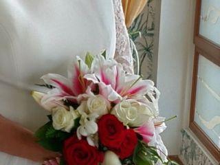 Flores Lucrecia 3