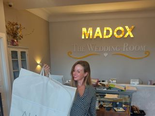 Madox The Wedding Room 2