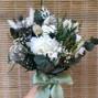 La boda de Nuria y Las flores de Arant 11