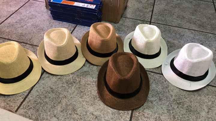 Ya tengo las chanclas y los sombreros!!! - 1