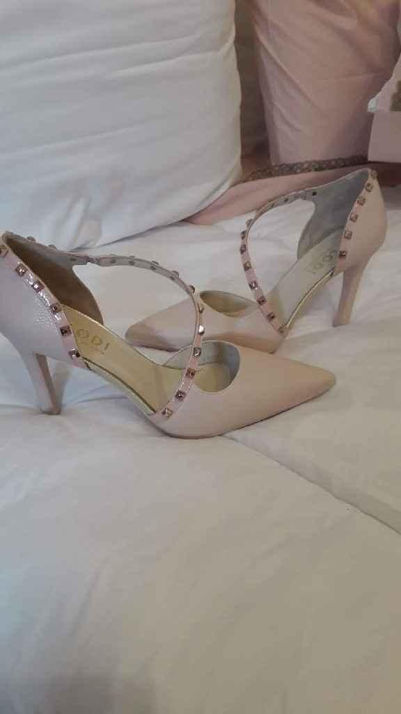 ¿de qué color vais a llevar los zapatos? - 1