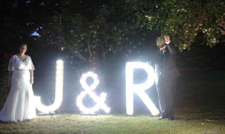 Gracias a mi padre, letras gigantes luminosas