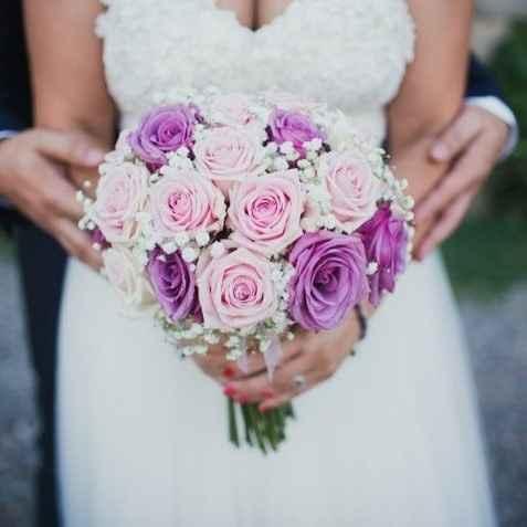 ¿Cuál de estas combinaciones rosas os gusta más para un ramo de novia? 🌸 - 1