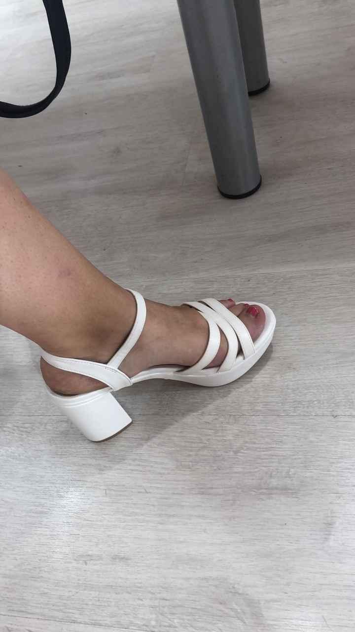 ¿De qué color serán tus zapatos? 👠 - 1