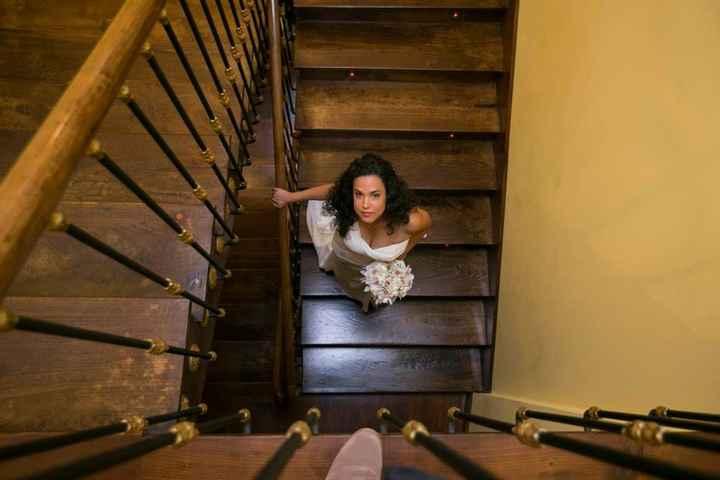 Bajando las escaleras para ir a tu encuentro