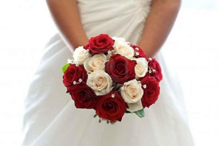Ramo Rosas Rojas y Blancas 1