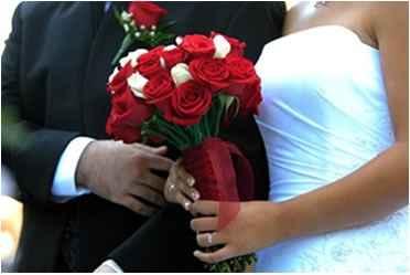 Ramo Rosas Rojas y Blancas 4
