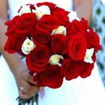 Ramo Rosas Rojas y Blancas 5