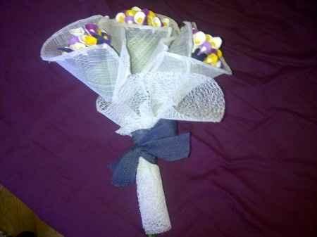 Otra foto del bouquet de alfileres :)
